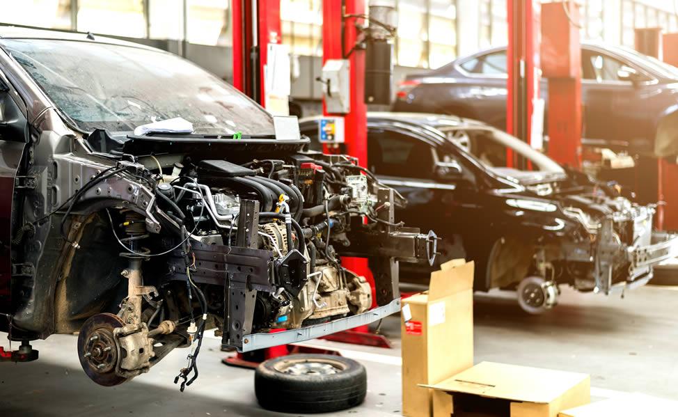 Cómo puedo reparar mi auto después de un accidente